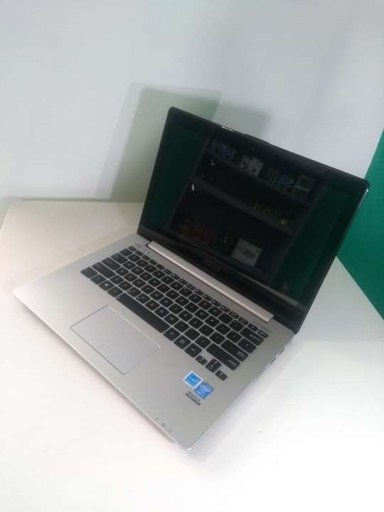 Notebook Asus 13 pulgadas touchscreen Intel i5 - 6
