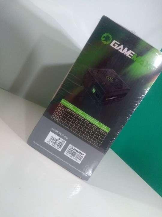 Fuente 1050W semimodular GameMax - 3