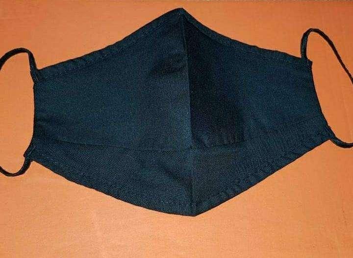 Tapabocas reutilizable color negro con tiras elásticas - 0