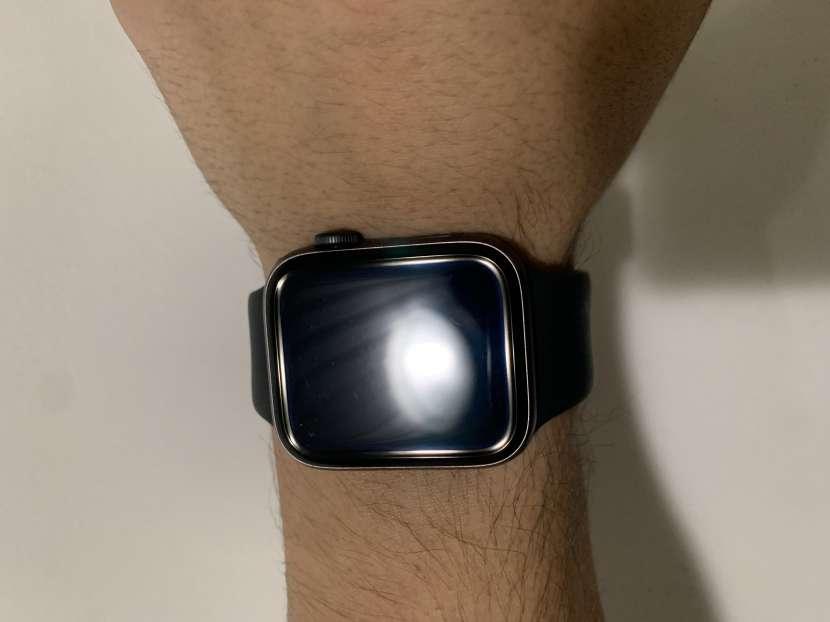 Apple Watch Series 5 44m Space Gray - 1