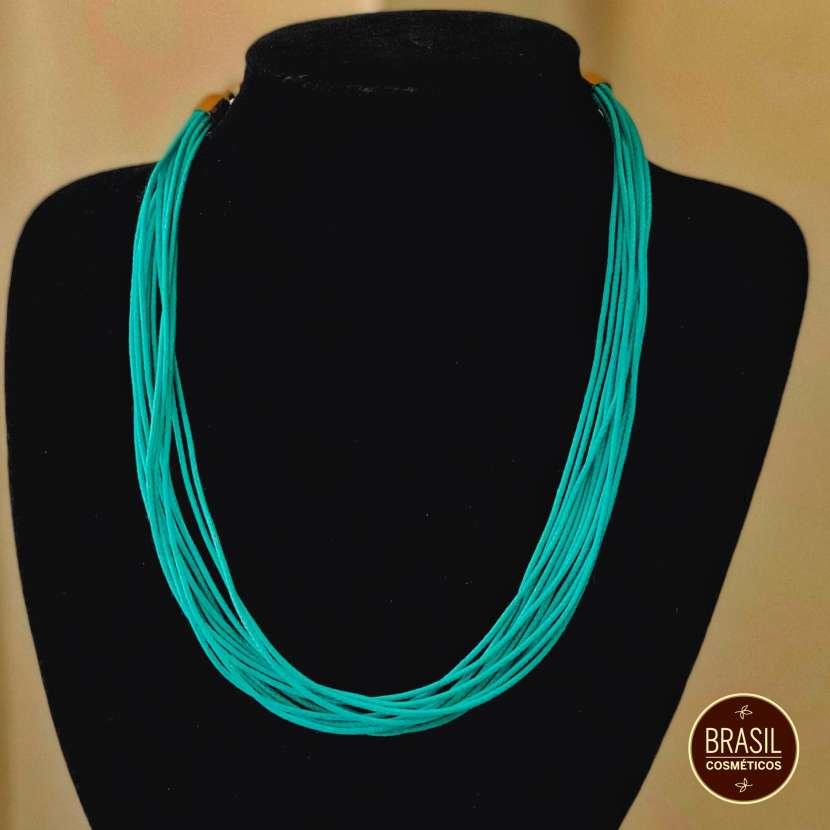 Collar de hilos de colores - 2