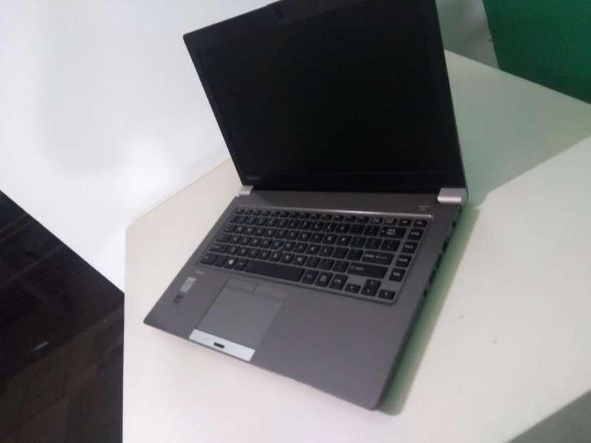 Notebook Toshiba 14 Pulgadas i5 16 GB RAM 240 GB SSD - 7