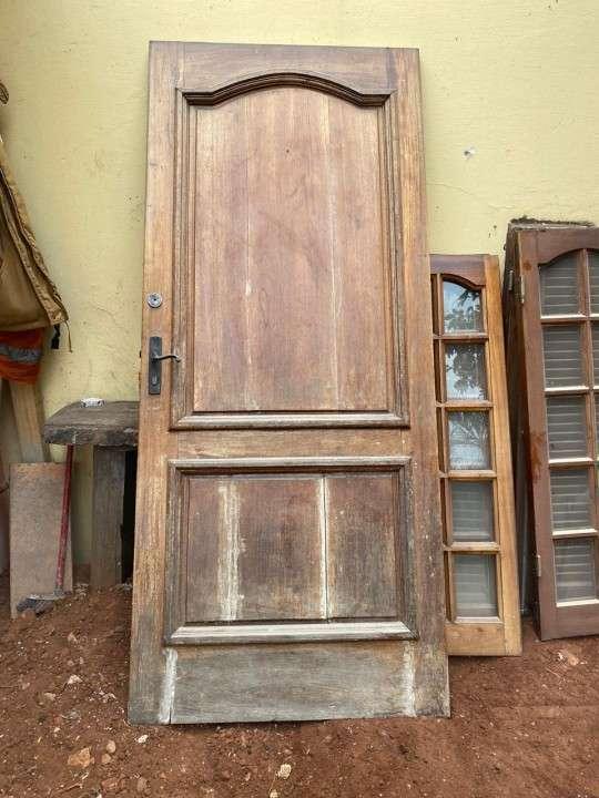 Puerta de madera maciza - 0