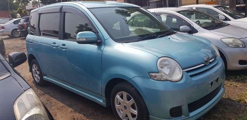 Toyota sienta 2011 caja automática - 1