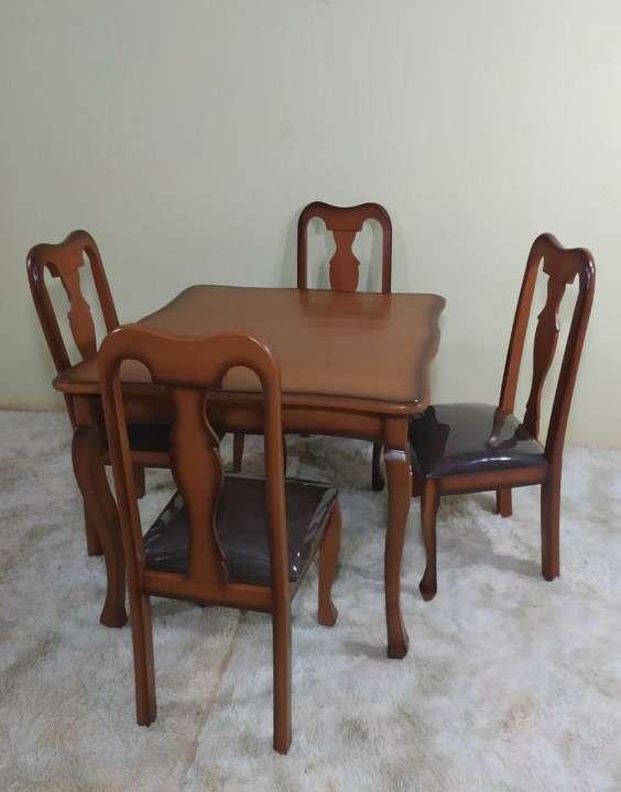 Juego de comedor Reina Ana 4 sillas - 1