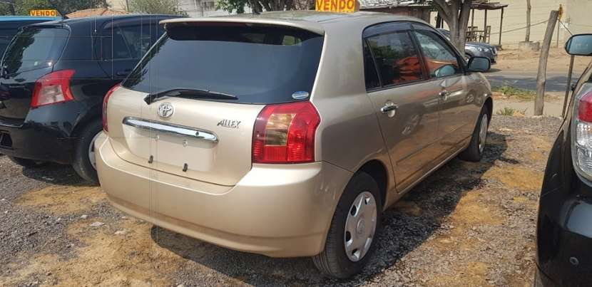 Toyota vitz 2001 automática - 3