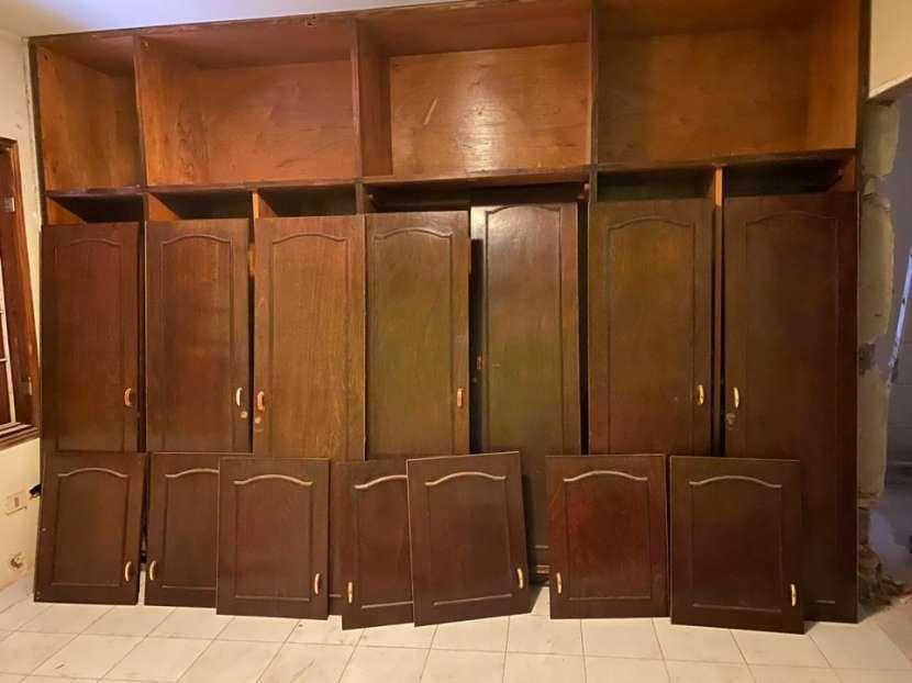 Ropero de 7 puertas - 1