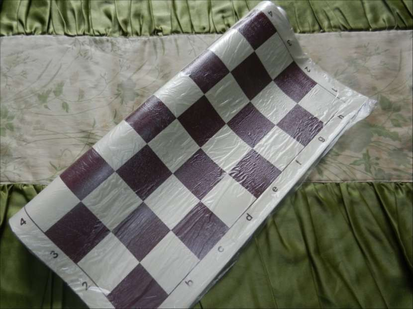 Tablero ajedrez enrollable de vinilo 50x50 cm color burdeos - 1