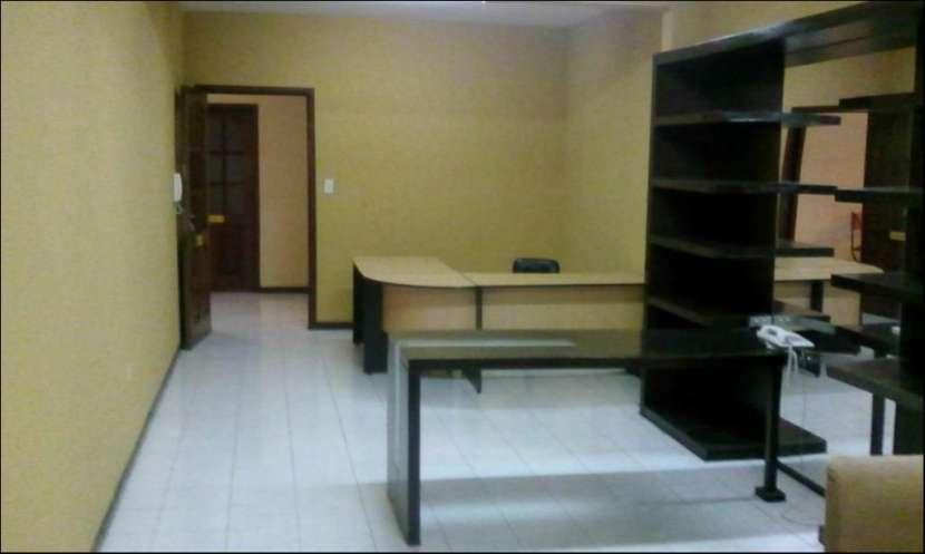 Oficina en Primer Piso - 1