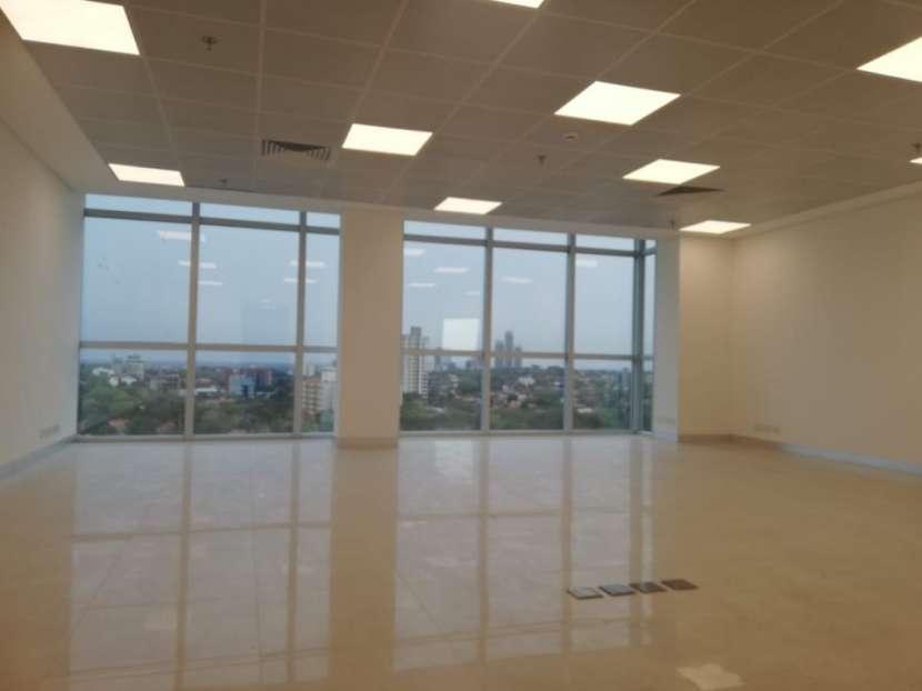 Oficina en edificio Sky Park - 2