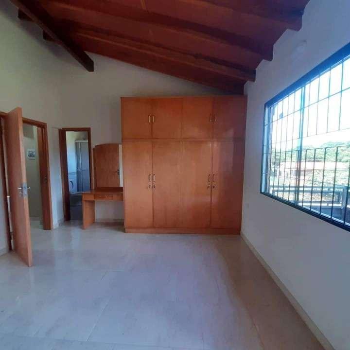 Casa en el barrio Recoleta de Asunción - 0