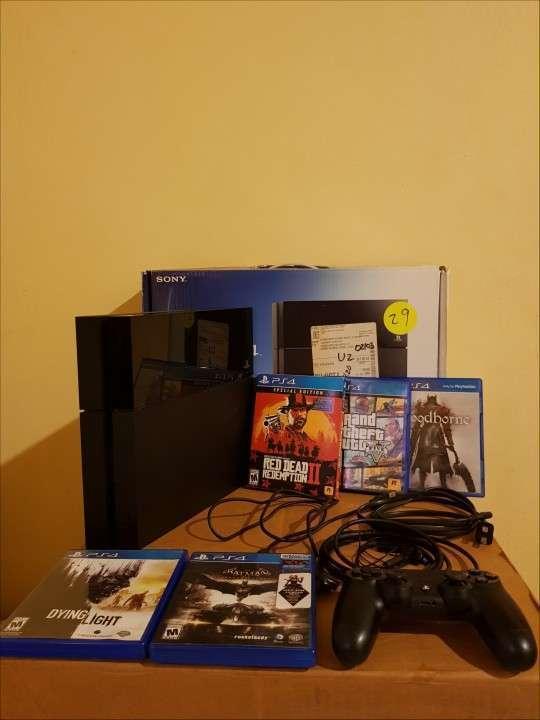 PS4 500 gb con juegos - 0