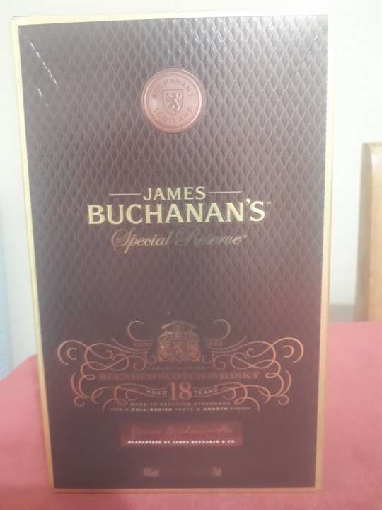 Whisky James Buchanan's 18 años 750 ml - 0