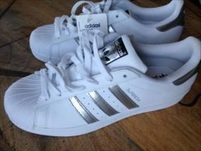Adidas Superstar calce 44