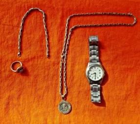 Cadena pulsera medalla reloj y anillo