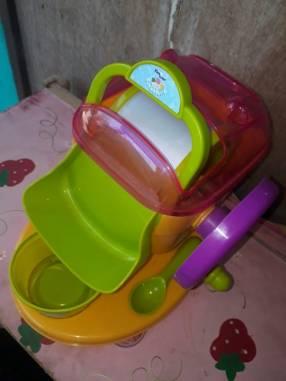 Máquina de hacer helados de juguete