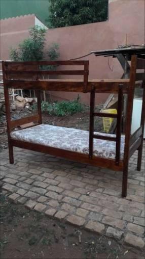 Cama de 2 pisos con colchón