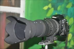 Cámara profesional Nikon d700 con lente 50/500