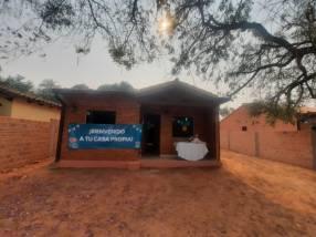 Casa en barrio San Carlos Ñemby