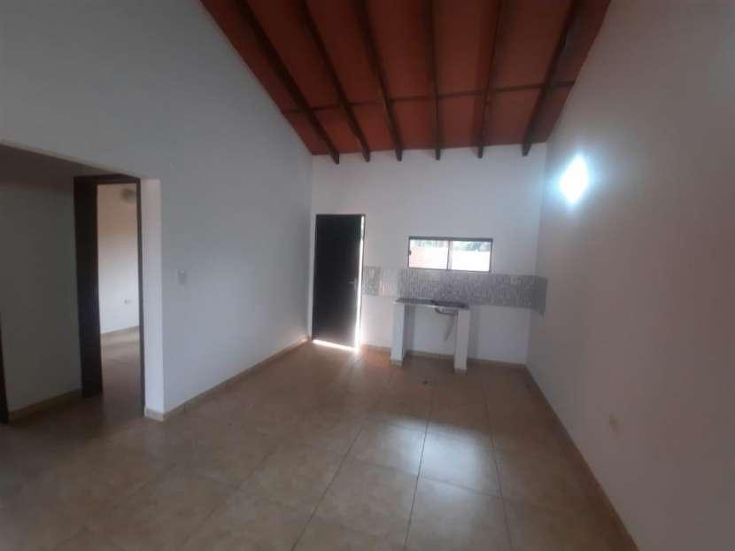 Casa en barrio San Carlos Ñemby - 2