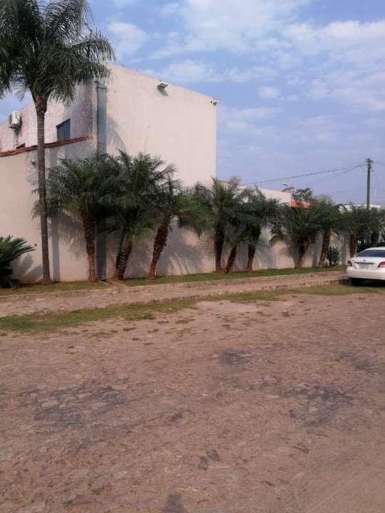 Casa con tinglado en Luque zona CIT - 2