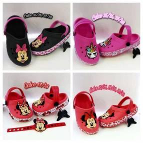 Crocs para niñas de personajes de Disney