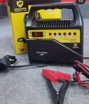 Cargador de batería y moto