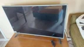 Smart TV full HD LG 50 pulgadas con control magic
