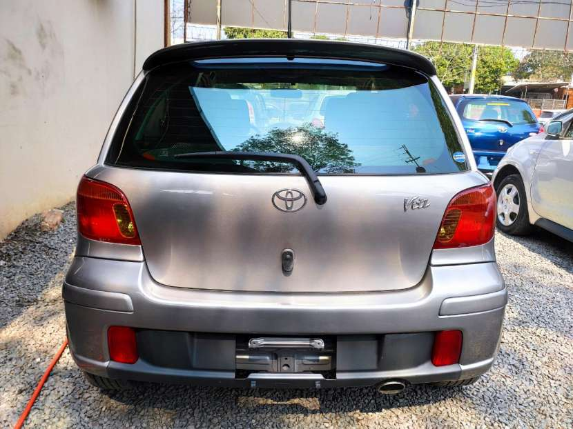 Toyota Vitz RS 2003 motor vvti 1500 naftero automático - 3