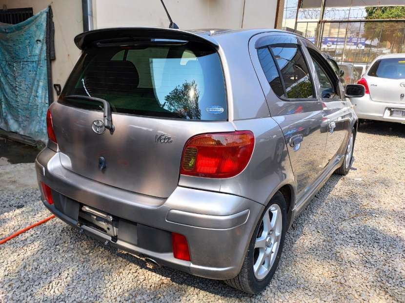Toyota Vitz RS 2003 motor vvti 1500 naftero automático - 5