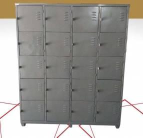 Casillero metálico con 20 compartimientos