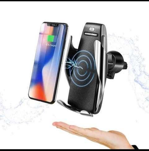 Soporte con sensor y cargador inalámbrico para celulares luo - 1