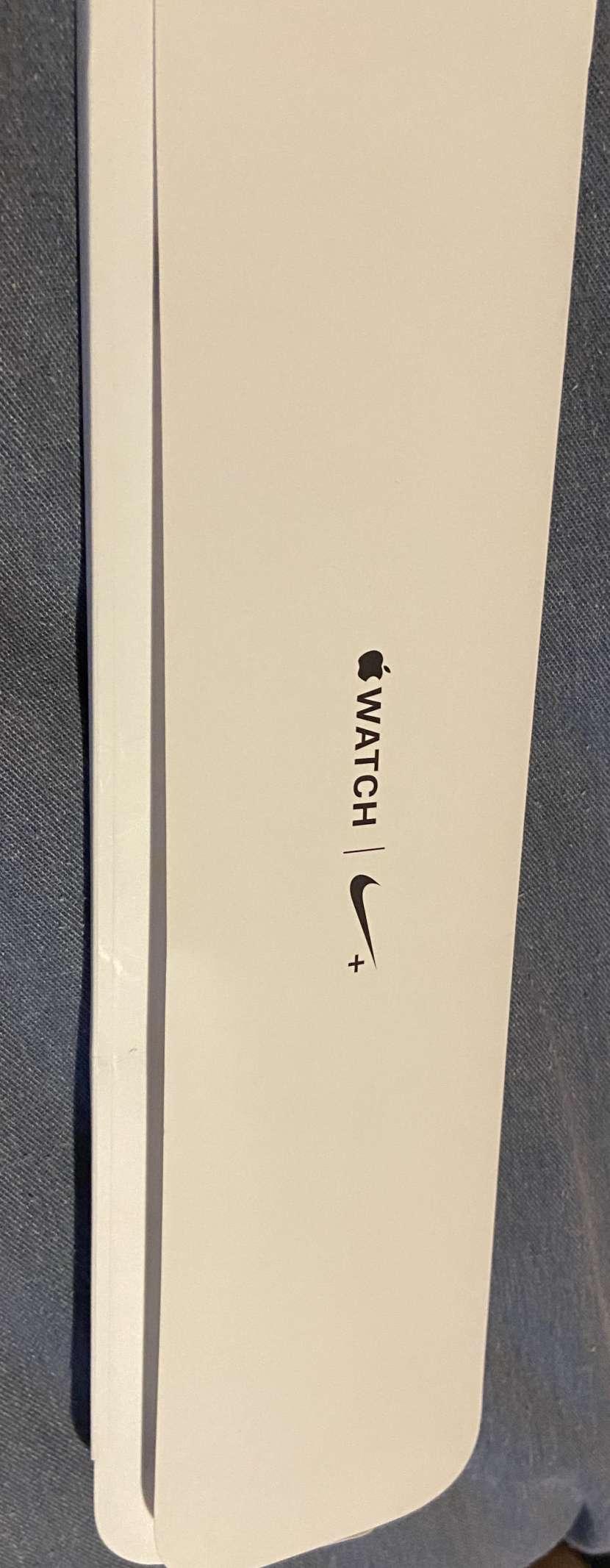 Apple Watch Serie 4 Nike+ de 44mm - 3