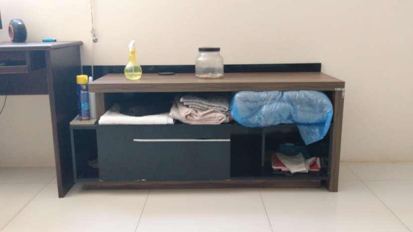 TV Sony Bravia 32 pulgadas con mueble de regalo - 2