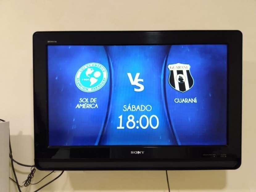 TV Sony Bravia 32 pulgadas con mueble de regalo - 1