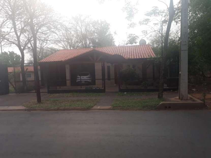 Casa estilo rústico San Lorenzo - 0
