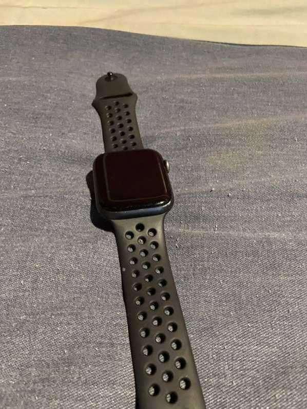 Apple Watch Serie 4 Nike+ de 44mm - 1