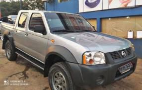 Nissan frontier 2004 4x4 mecanico