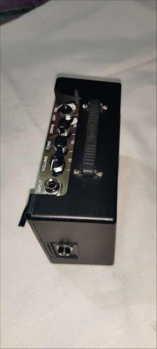 Amplificador Mini Deluxe Fender MD-20 - 3