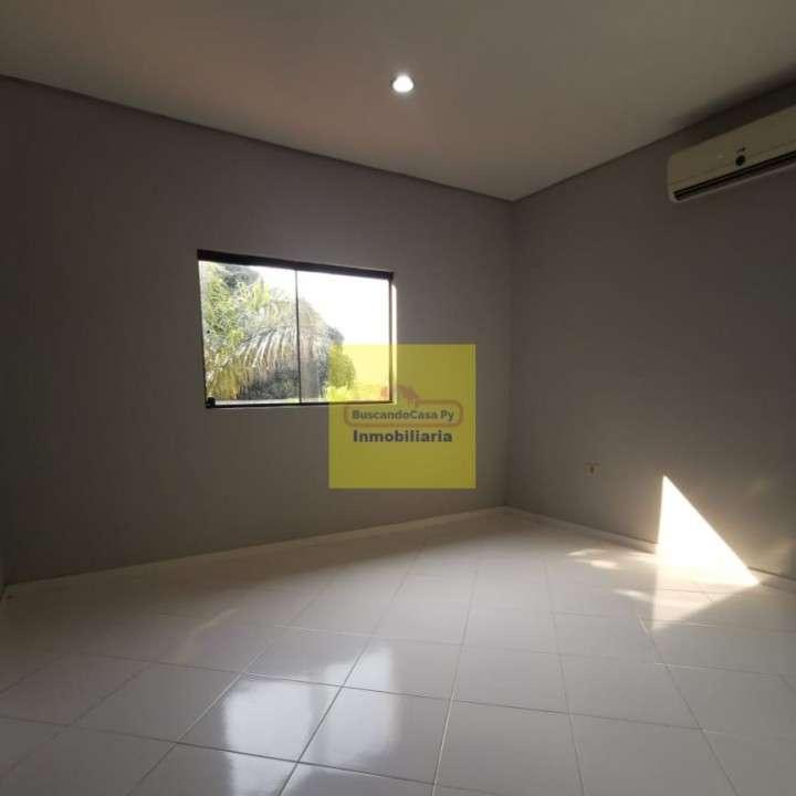 Duplex en Fernando de la Mora zona Norte Y5485 - 7