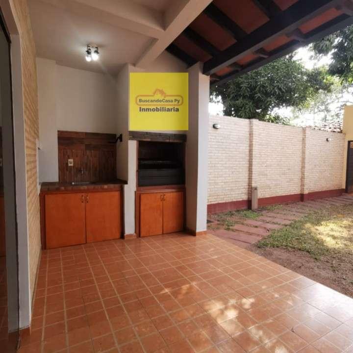 Duplex en Fernando de la Mora zona Norte Y5485 - 1