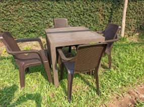 Juego jardín comedor eterna con 4 sillas