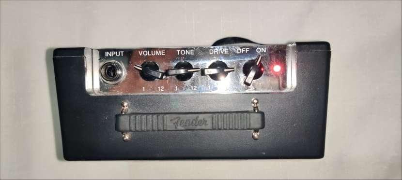Amplificador Mini Deluxe Fender MD-20 - 4