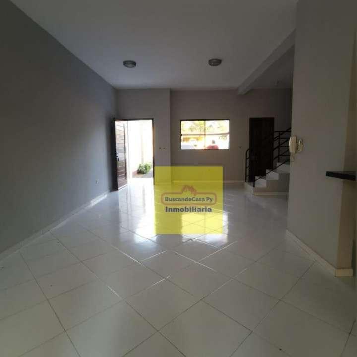 Duplex en Fernando de la Mora zona Norte Y5485 - 4