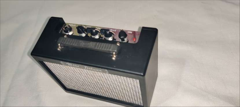 Amplificador Mini Deluxe Fender MD-20 - 1