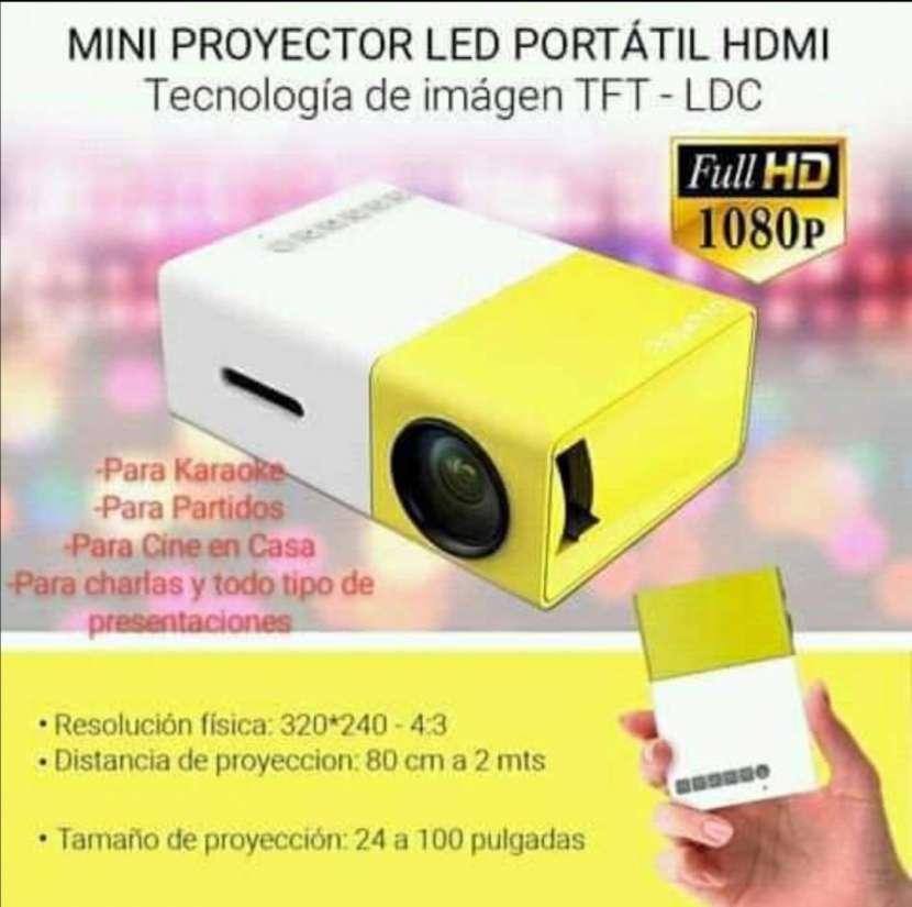 Mini proyector Full HD - 0