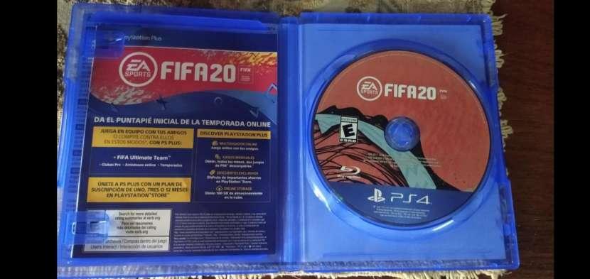 FIFA 20 y UFC 3 para PS4 - 1