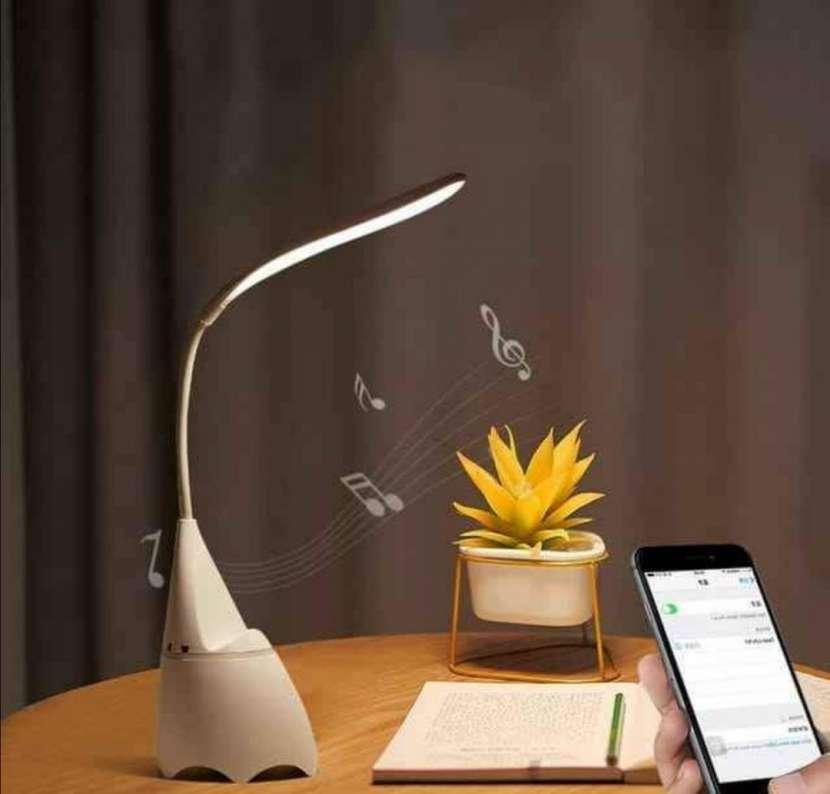Lámpara con reproductor bluetooth - 2