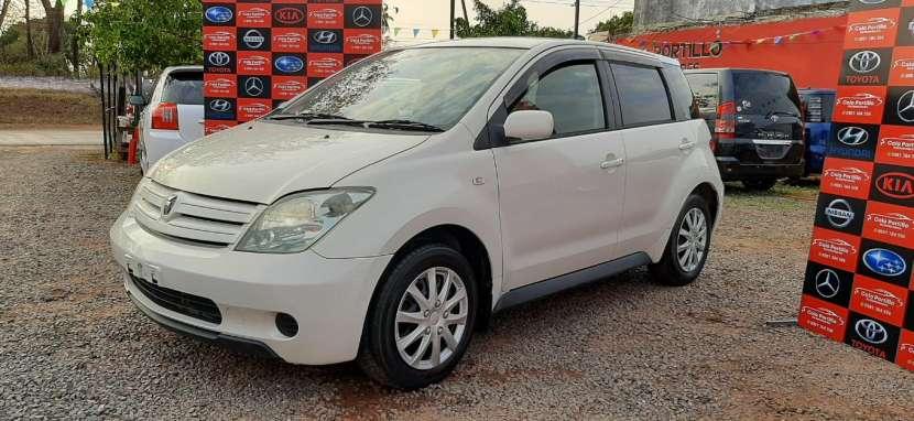 Toyota IST 2003 - 3