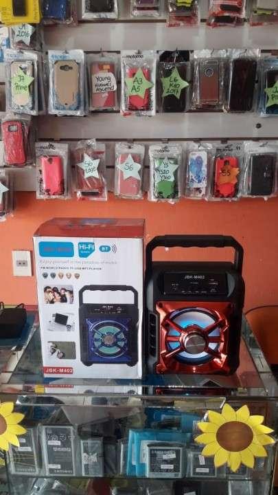 Speaker HI-FI a Bluetooth y USB. - 0
